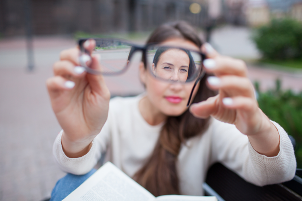 Yến sào bí quyết cho những người bị cận thị, thị lực giảm